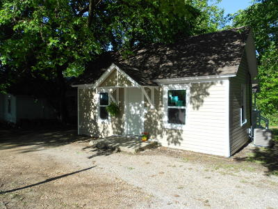 Jasper County Single Family Home For Sale: 118 S St. Louis Avenue