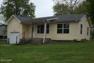 Newton County Single Family Home For Sale: 425 S Main Street