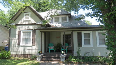 Jasper County Single Family Home For Sale: 1215 Daugherty