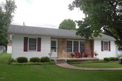 Neosho Single Family Home Active With Contingencies: 704 Freeman Road