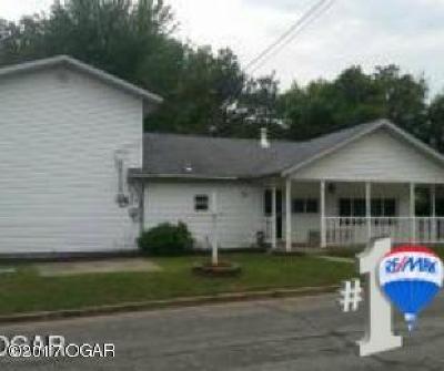 Jasper County Single Family Home For Sale: 2618 W D Street