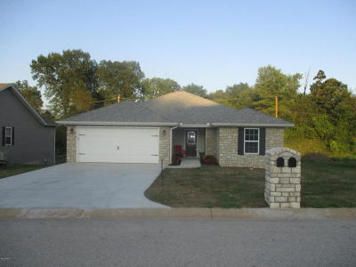 Neosho Single Family Home For Sale: 1207 Justin Trail