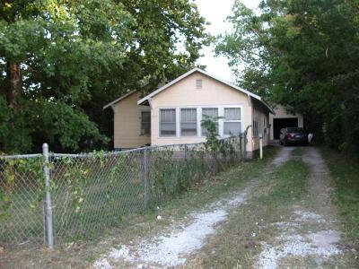 Jasper County Single Family Home For Sale: 3020 E 10th Street
