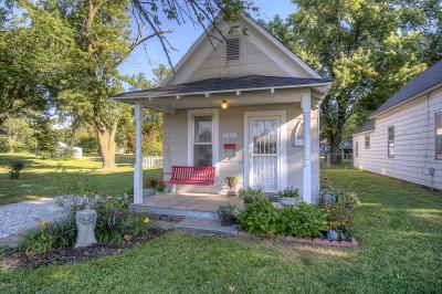 Jasper County Single Family Home For Sale: 1221 W 10th Street