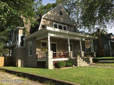 Carthage Single Family Home For Sale: 1052 S Garrison Avenue