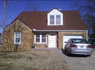 Newton County Single Family Home For Sale: 406 E Hickory