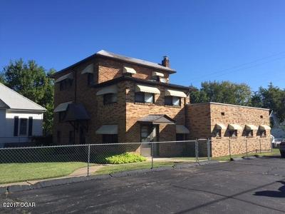 Jasper County Multi Family Home For Sale: 1923 S Sergeant