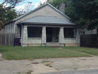 Neosho Single Family Home For Sale: 436 W Brook