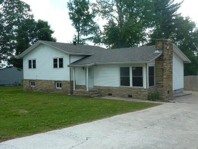 Anderson Single Family Home For Sale: 525 W Highway 76 #A & B
