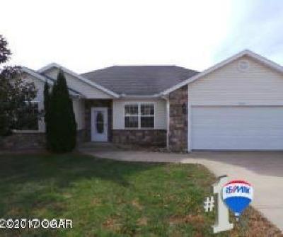Newton County Single Family Home For Sale: 1905 Sylvan Avenue