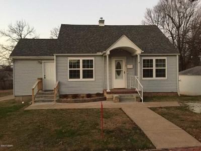 Newton County Single Family Home For Sale: 328 Adams