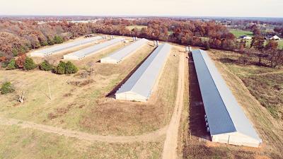 Cassville MO Farm & Ranch For Sale: $1,050,000