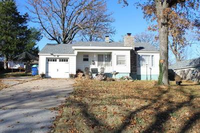 Newton County Single Family Home For Sale: 1104 Benton Avenue