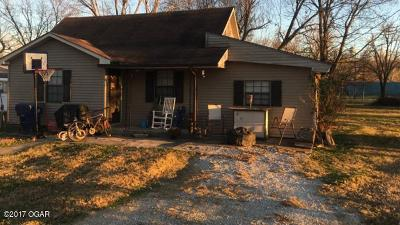 Newton County Single Family Home For Sale: 214 Peoria Street