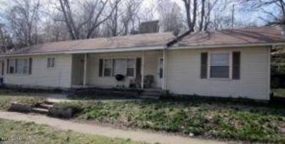 Seneca Multi Family Home For Sale: 920 A & B Cherokee