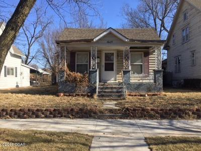 Jasper County Single Family Home For Sale: 1609 S Byers Avenue