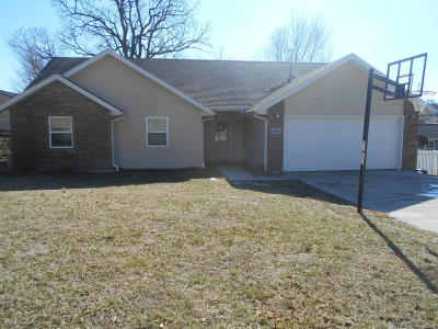 Neosho Single Family Home For Sale: 395 Ravenwood Circle