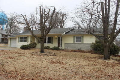 Neosho Single Family Home For Sale: 218 W North Street