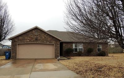Joplin MO Single Family Home For Sale: $144,900