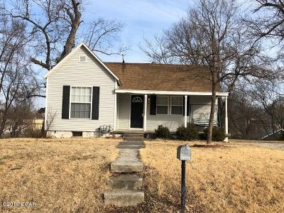 Carthage MO Single Family Home For Sale: $55,000