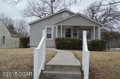 Carthage MO Single Family Home For Sale: $69,900