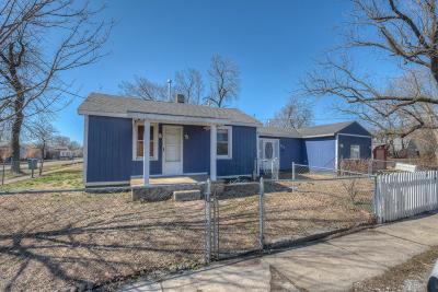 Jasper County Single Family Home For Sale: 300 N Kentucky Street