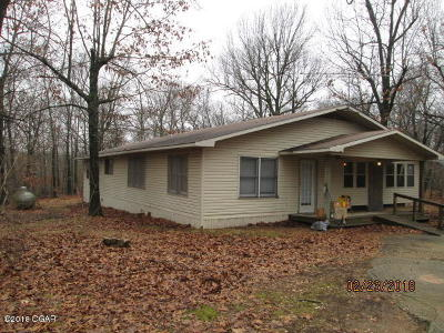 Barry County, Barton County, Dade County, Greene County, Jasper County, Lawrence County, McDonald County, Newton County, Stone County Single Family Home For Sale: 21512 Hereford Road