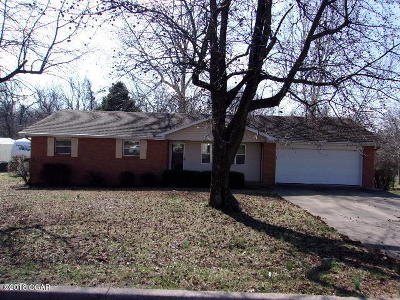 Monett MO Single Family Home Sold: $90,000