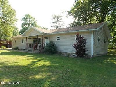 Neosho MO Single Family Home For Sale: $128,900