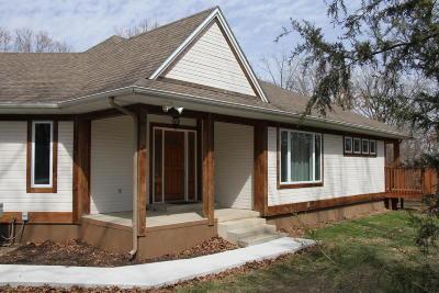 Barry County, Barton County, Dade County, Greene County, Jasper County, Lawrence County, McDonald County, Newton County, Stone County Single Family Home For Sale: 5427` West Ridge