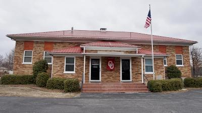 Barry County, Barton County, Dade County, Greene County, Jasper County, Lawrence County, McDonald County, Newton County, Stone County Single Family Home For Sale: 605 Fir Road #B