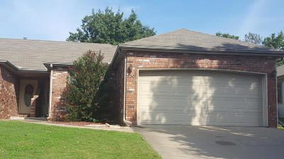 Barry County, Barton County, Dade County, Greene County, Jasper County, Lawrence County, McDonald County, Newton County, Stone County Rental For Rent: 230 W Briarbrook Lane