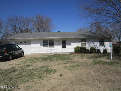 Lamar MO Single Family Home For Sale: $67,500