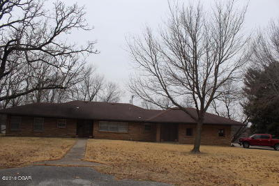 Neosho MO Single Family Home For Sale: $99,900