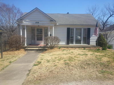 Newton County Single Family Home For Sale: 429 S Valley Street