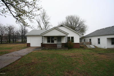 Jasper County Rental For Rent: 3045 E 8th Street