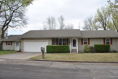Joplin MO Single Family Home For Sale: $124,500
