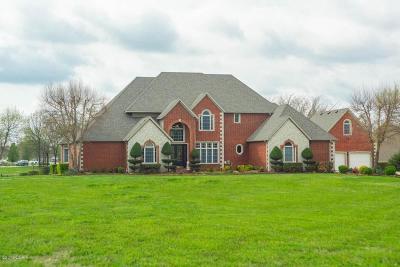 Barry County, Barton County, Dade County, Greene County, Jasper County, Lawrence County, McDonald County, Newton County, Stone County Single Family Home For Sale: 102 N Windwood Drive