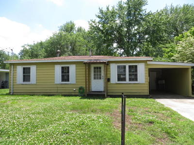 Jasper County Single Family Home For Sale: 820 W 14th