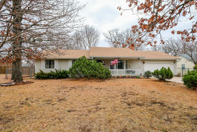Barry County, Barton County, Dade County, Greene County, Jasper County, Lawrence County, McDonald County, Newton County, Stone County Single Family Home For Sale: 3009 N St. Louis Avenue