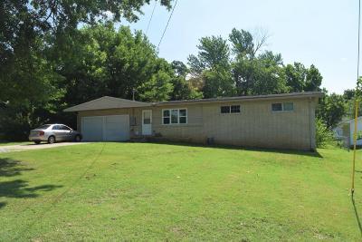 Joplin MO Single Family Home For Sale: $106,900