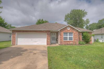 Joplin MO Single Family Home For Sale: $134,900