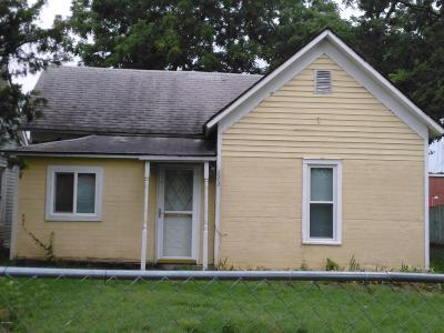 Newton County Single Family Home For Sale: 223 S Cole Street