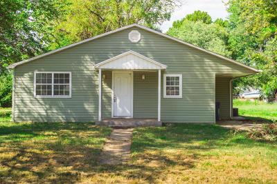 Jasper County Single Family Home For Sale: 701 Locust Street
