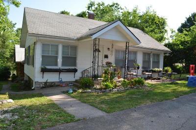 Newton County Single Family Home For Sale: 207 S Ripley Street