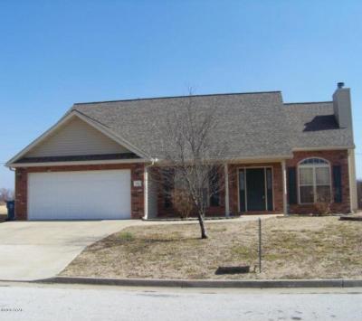 Webb City MO Single Family Home For Sale: $142,400