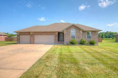 Joplin MO Single Family Home For Sale: $167,500