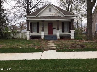 Jasper County Single Family Home For Sale: 1819 S Sergeant