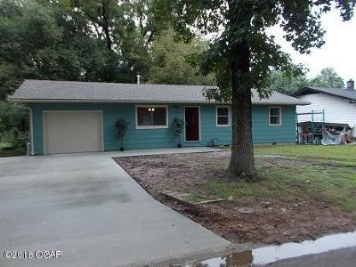 Neosho Single Family Home For Sale: 1100 Stratford Place