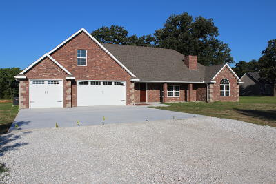 Neosho MO Single Family Home For Sale: $359,000